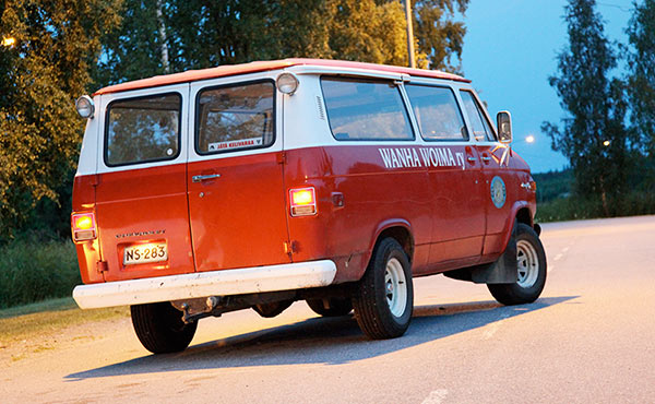 chevrolet-chevy-van-1976