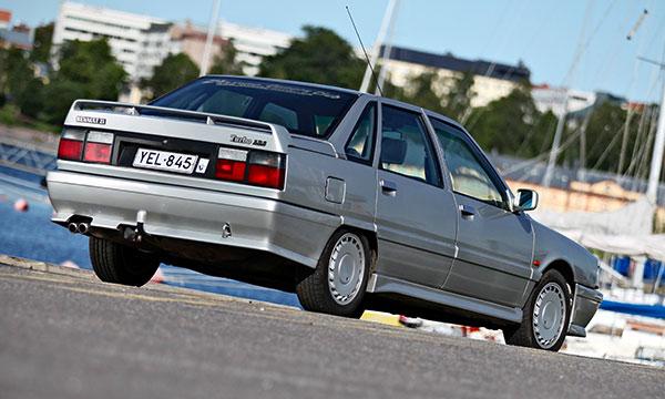 Renault 21 Turbo -88 – Mukavan nopeasti