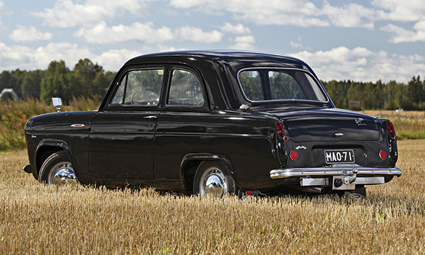 Ford Anglia '55 – Lapsuuden mielenmaisemiin