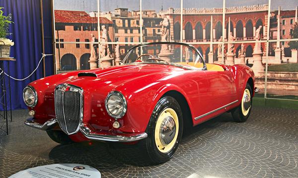 Auto e Moto d'Epoca, Italia
