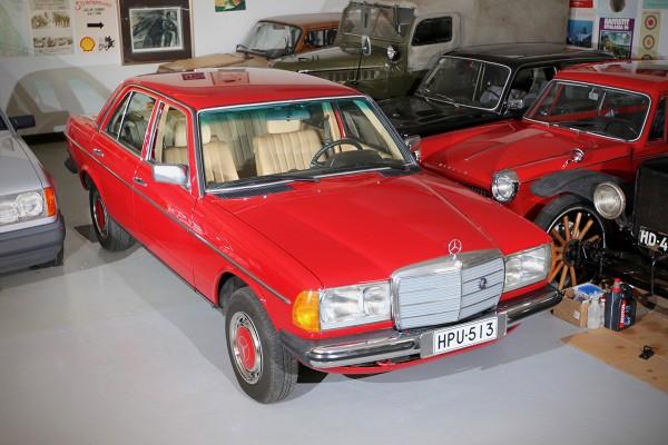 Pitkä kyyti – Mercedes-Benz 200 D '83