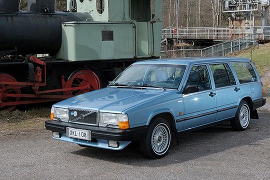 Puutarhatraktori – Volvo 740 GLE '87