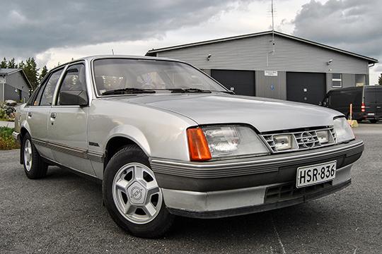 Nokialainen uudesta alkaen – Opel Rekord 2.0E Berlina '84