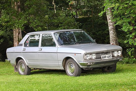 Suurlähetystön edustusauto – Fiat 132 GLS 1800 '76